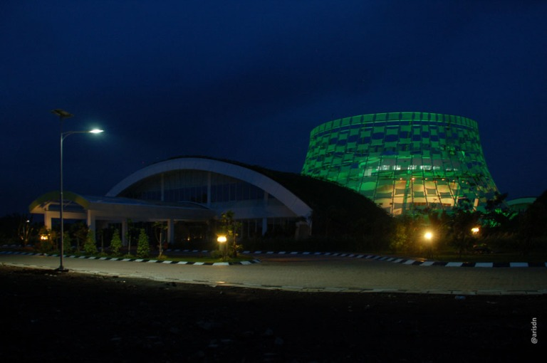 Solar LED Roadlighting at Dahana factory & office, Subang. 2012. Responsible as technical support