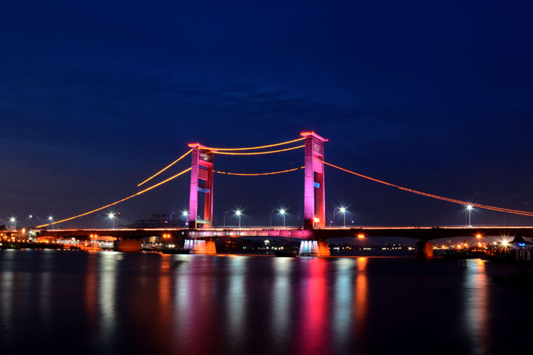 Jembatan Ampera decorative lighting, Palembang, 2013. As design and technical leader.