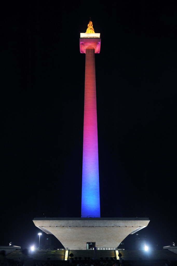 Monumen Nasional Jakarta decorative lighting, 2012. As technical lead.