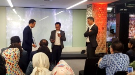 Global CEO on my left and Philips Indonesia Country Leader on my right